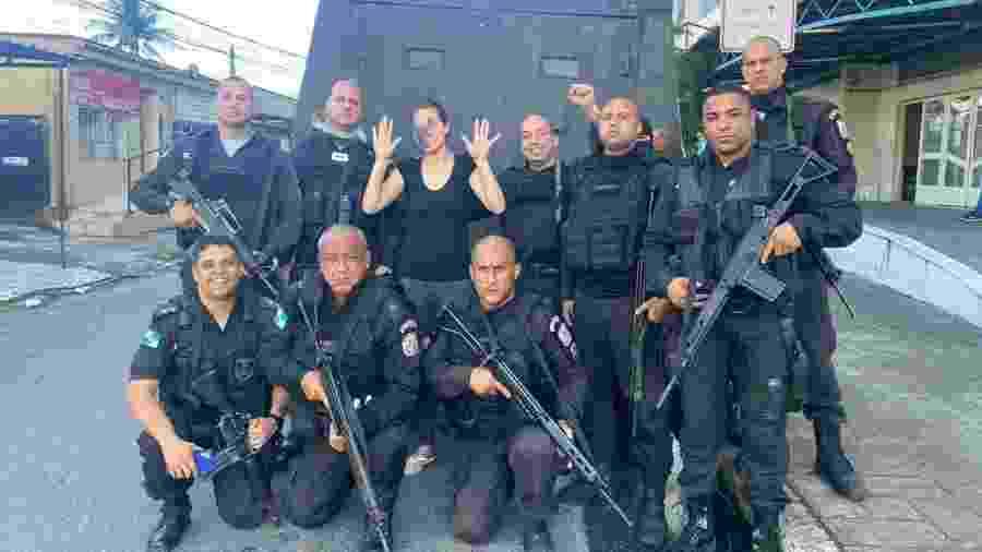 Policiais libertaram mulher que foi feita refém durante cinco dias no Rio de Janeiro - Divulgação/PMERJ