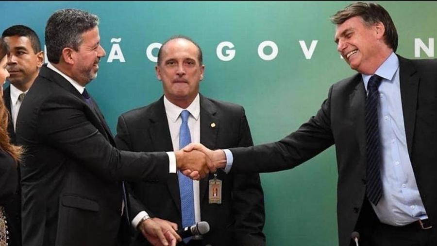 O texto foi entregue na manhã desta quarta-feira por Bolsonaro aos presidentes da Câmara dos Deputados e do Senado - Reprodução/Twitter