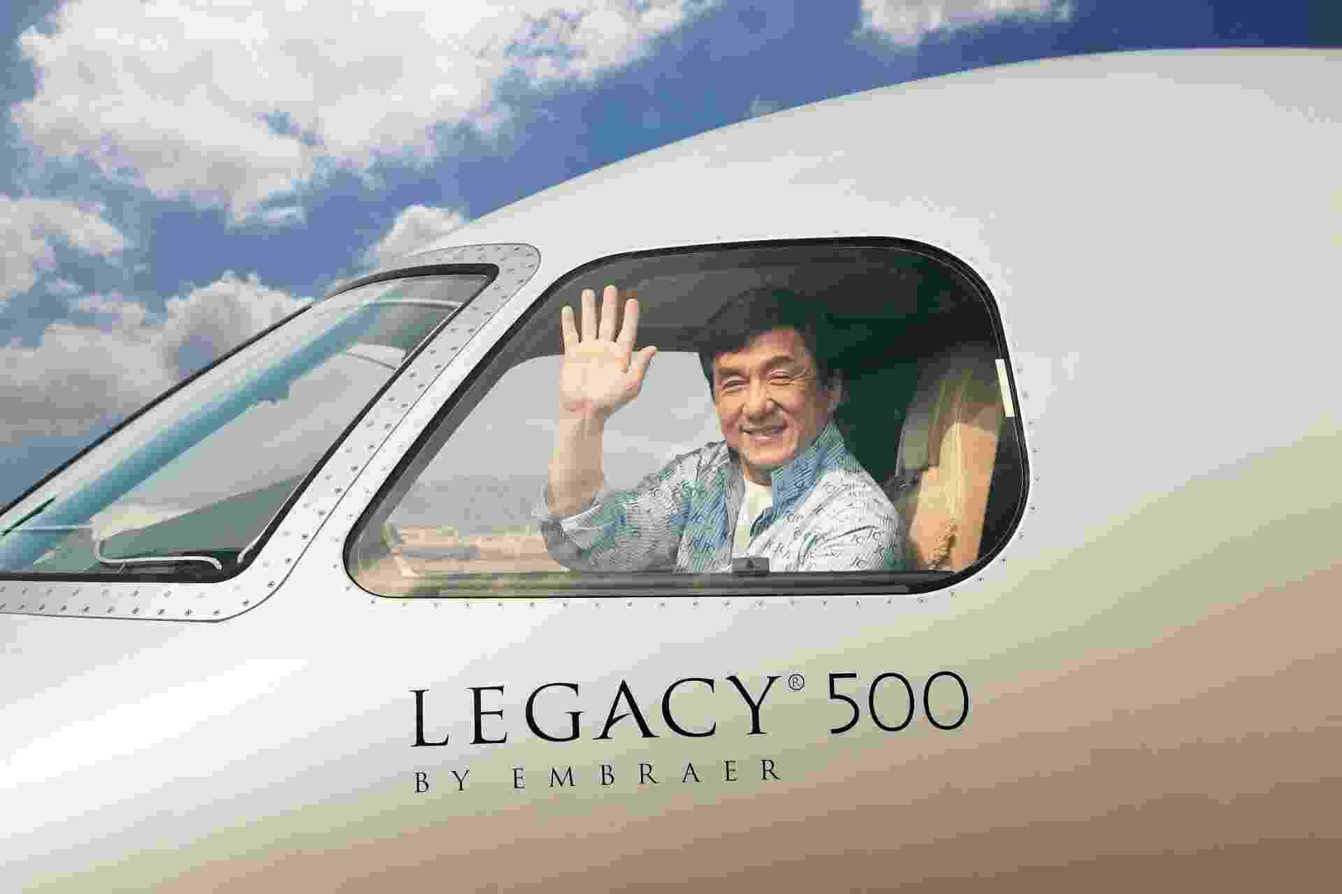 Embraer entrega jato de US$ 20 milhões para Jackie Chan - Divulgação