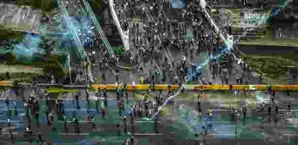 Manifestantes oposicionistas ocupam avenida em Caracas, na Venezuela - Meridith Kohut/The New York Times - Meridith Kohut/The New York Times