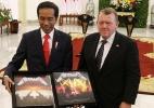 Presidente metaleiro da Indonésia ganha disco do Metallica de presente do premiê dinamarquês - AFP