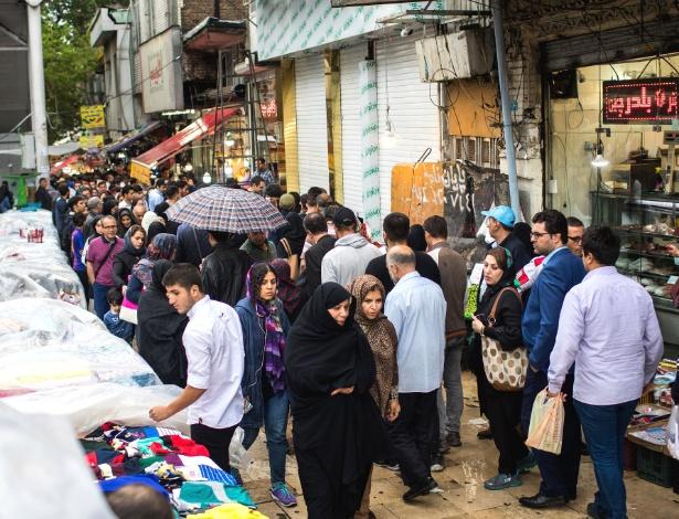 Mercado em Teerã funciona um dia após anúncio de Trump sobre fim de acordo nuclear