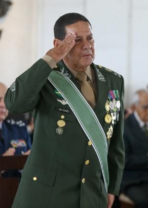 General Antonio Mourão durante sua despedida do Exército em fevereiro de 2018