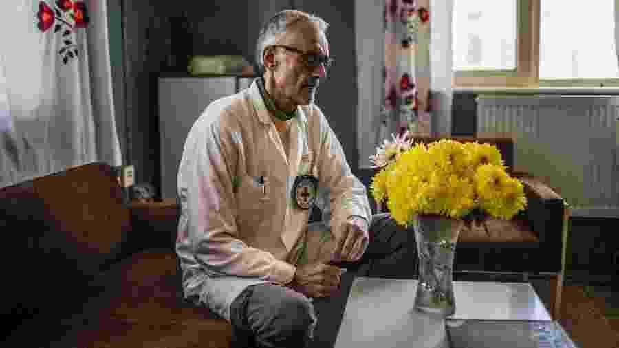 O médico Alberto Cairo, no Centro Ortopédico de Cabul, no Afeganistão - Bryan Denton/The New York Times