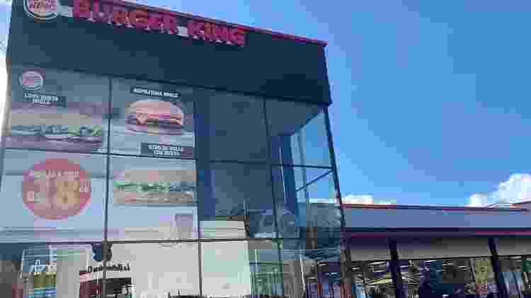 Ao contrário do McDonald's, o Burger King sobreviveu aos anos de recessão na Bolívia - BBC
