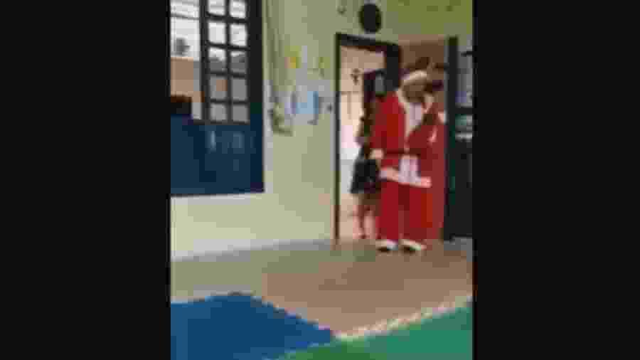 Alysson Lima (Republicanos) alegou ter publicado imagens diante da reação das crianças frente a um Papai Noel que fugia de estereótipo; reação nas redes sociais foi negativa diante da ação filantrópica de Cesar Adriany David (foto) em SC - Reprodução