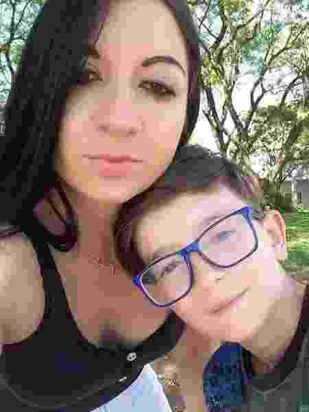 Alexandra Dougokenski e o filho Rafael Mateus Winques - Reprodução/Redes sociais