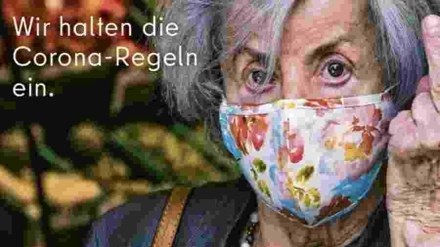 """""""Obedecemos às normas (de prevenção ao) coronavrírus"""", diz campanha publicitária do escritório oficial de turismo de Berlim - Visit Berlin"""