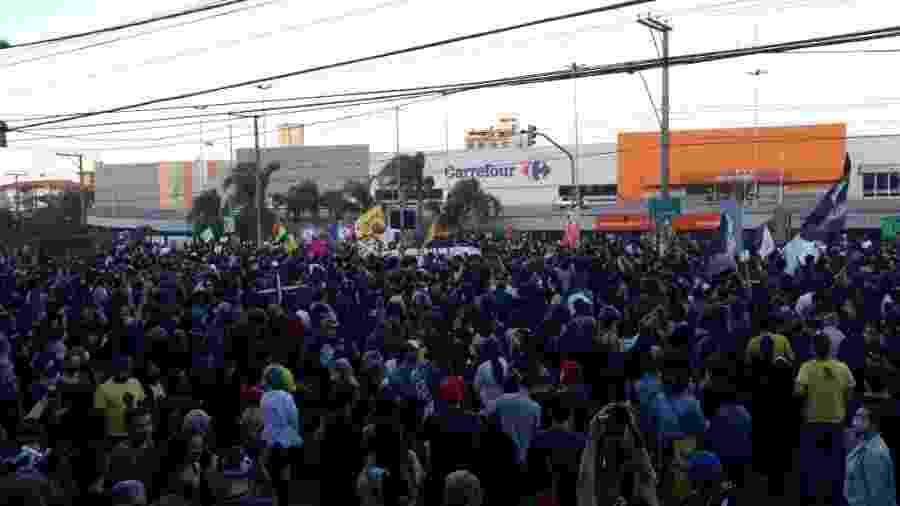 Após morte de cliente negro, manifestantes fizeram protestos em frente à unidade - Hygino Vasconcellos/UOL