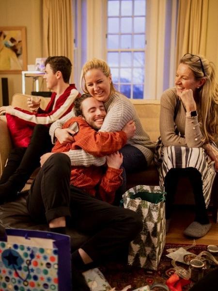 Natal em família; reunião em família; amigo secreto - Getty Images
