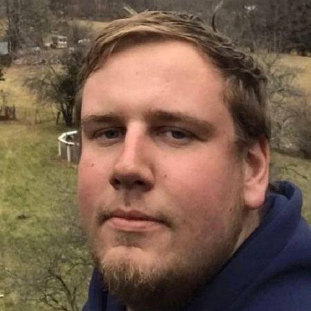 Christopher morreu com a explosão do artefato e irmão dele ficou ferido, nos EUA - Reprodução/Facebook