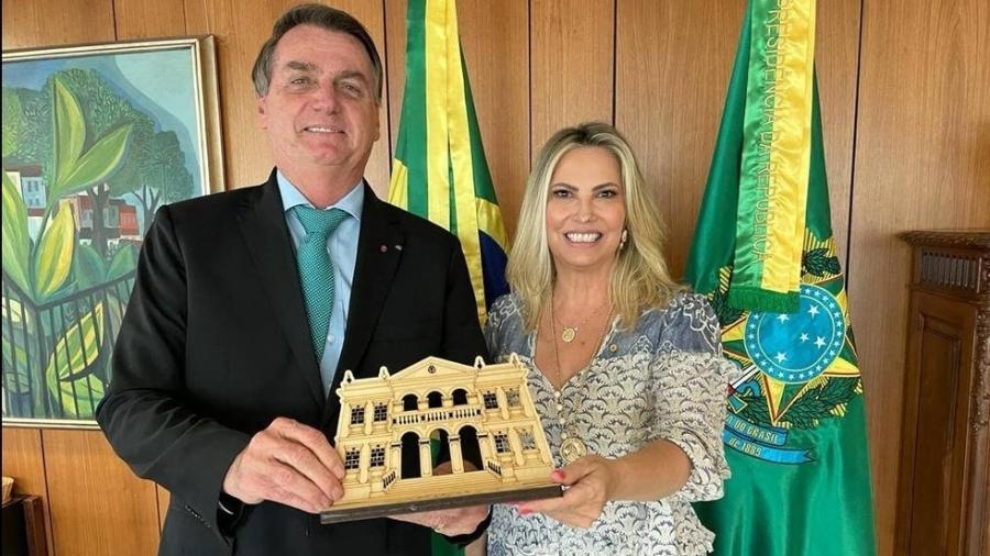 Maria Aparecida Borghetti e Bolsonaro em reunião no dia 22 de abril - Reprodução/Facebook