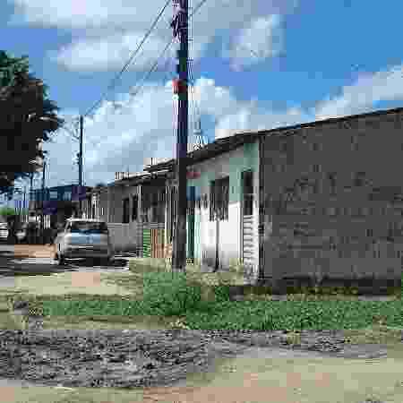 Casa com pintura PCC no bairro do Eustáquio Gomes: domínio dividido - Carlos Madeiro/UOL - Carlos Madeiro/UOL