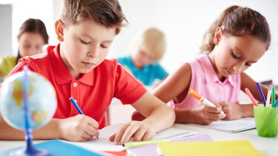 Escolas com bons programas bilíngues costumam ensinar importantes habilidades acadêmicas e culturais  - Getty Images
