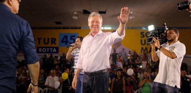 O tucano Artur Virgílio se aliou a um antigo adversário, Eduardo Braga (PMDB)