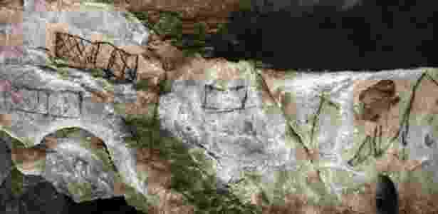 À primeira vista, os rabiscos parecem traços sem importância, como estes das cavernas espanholas conhecidas como Las Chimeneas - D. von Petzinger - D. von Petzinger