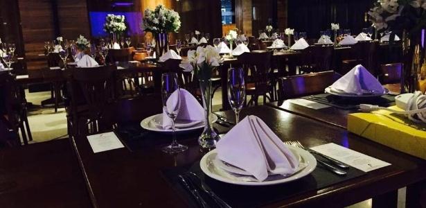 Dono de restaurante resolveu rebater preconceito de uma maneira diferente: com poesia