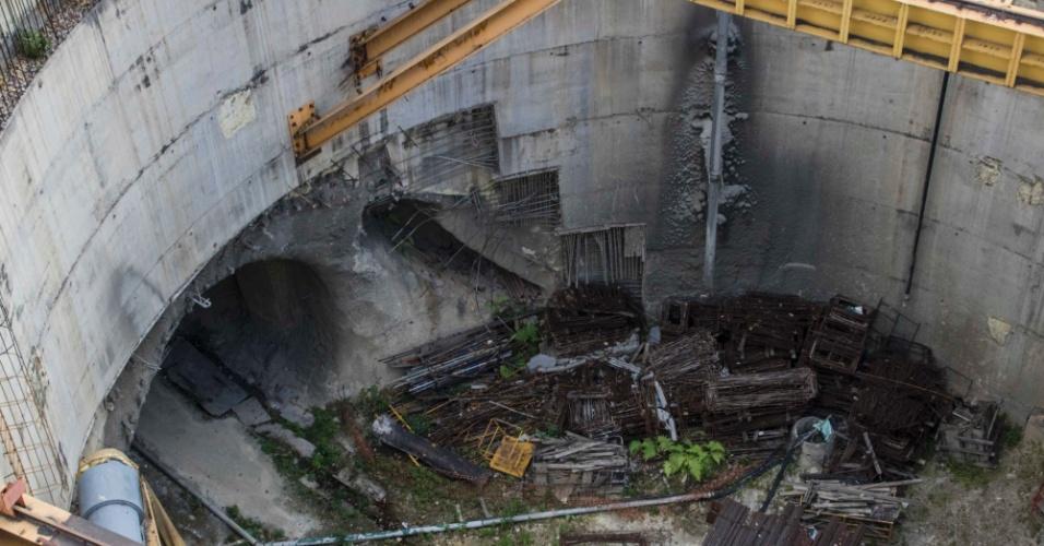 22.mar.2018 - Imagem mostra deterioração no poço da estação Bello Campo, da Linha 5 do Metrô de Caracas: obra está parada desde 2015