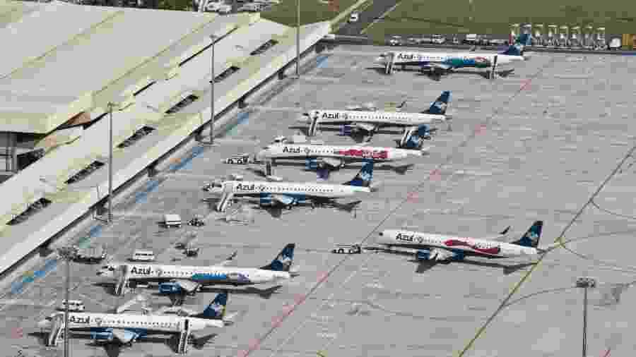 Pátio do aeroporto de Viracopos, em Campinas (SP), com aviões da Azul - Divulgação
