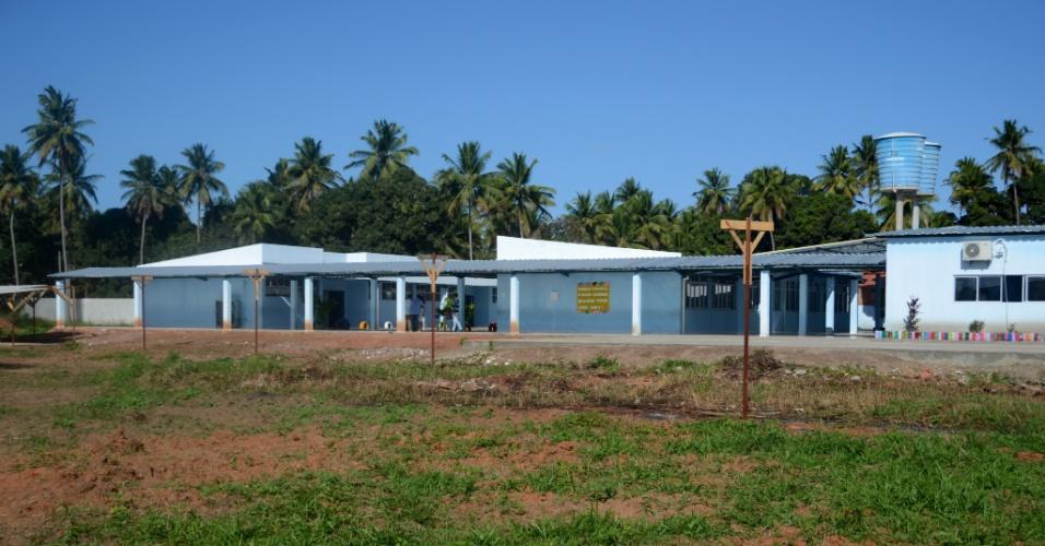 3.set.2018 - Escola José Buarque da Silva sendo preparada para instalação de duas piscinas, em Coruripe (AL)