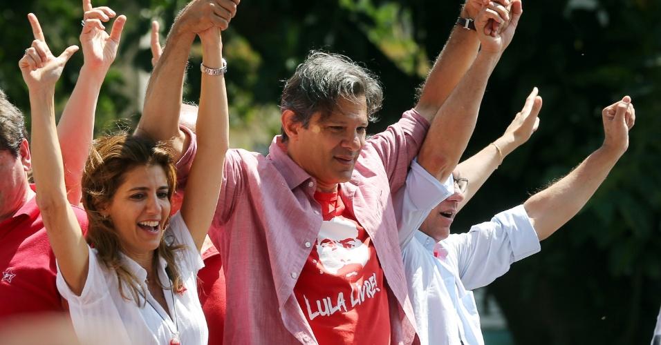 19.set.2019 - Fernando Haddad (PT) faz campanha nas ruas de São Paulo