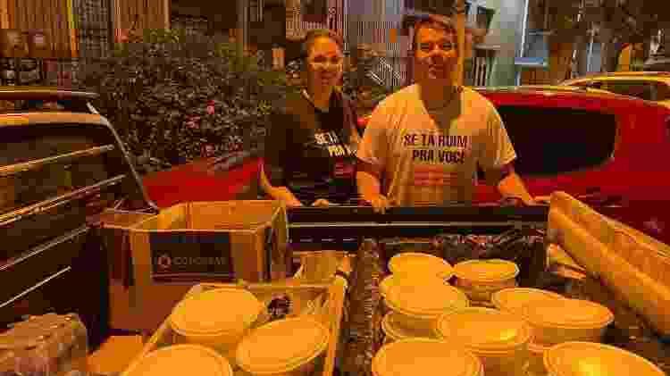 Pedro e Jacqueline criaram a ação Covid sem Fome para atender moradores de rua na pandemia do coronavírus - Caio Blois/UOL - Caio Blois/UOL