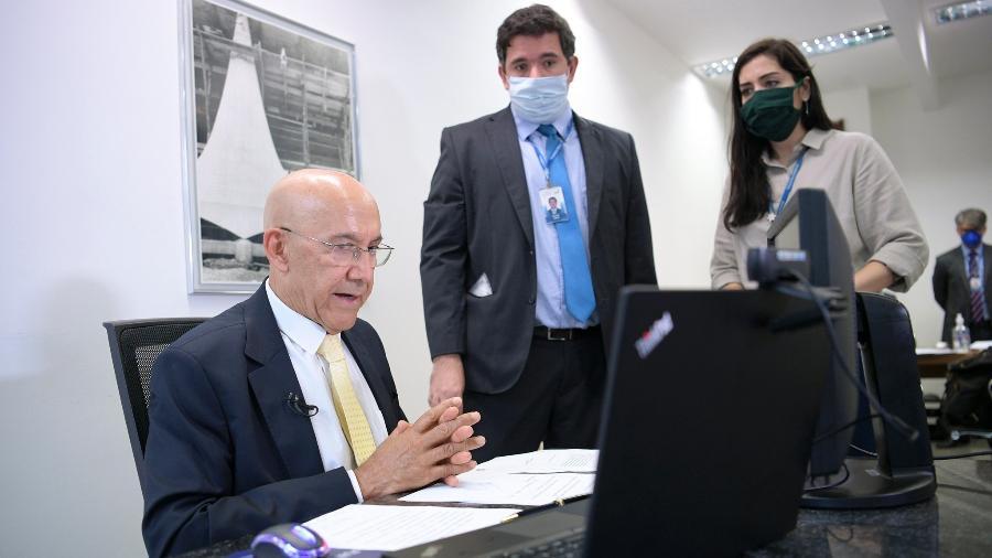 O presidente da comissão mista que acompanhará ações do governo na mitigação de efeitos do coronavírus, senador Confúcio Moura (MDB-RO) - Pedro França/Agência Senado