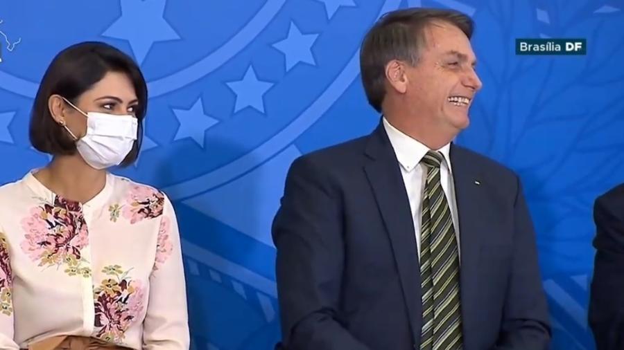 A primeira-dama Michelle Bolsonaro e o presidente Jair Bolsonaro - TV Brasil/Reprodução