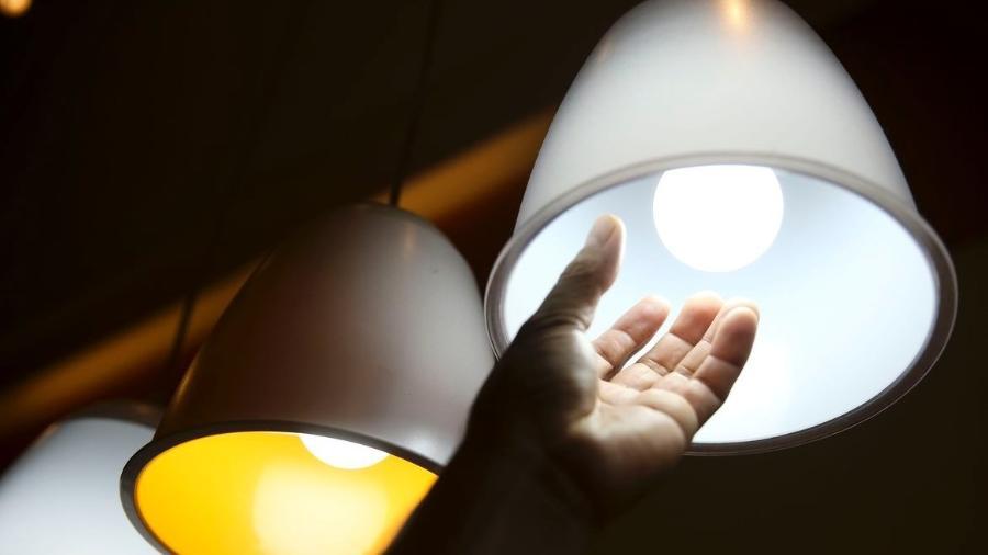 Energia elétrica, luz, lâmpada - Marcelo Camargo/Agência Brasil