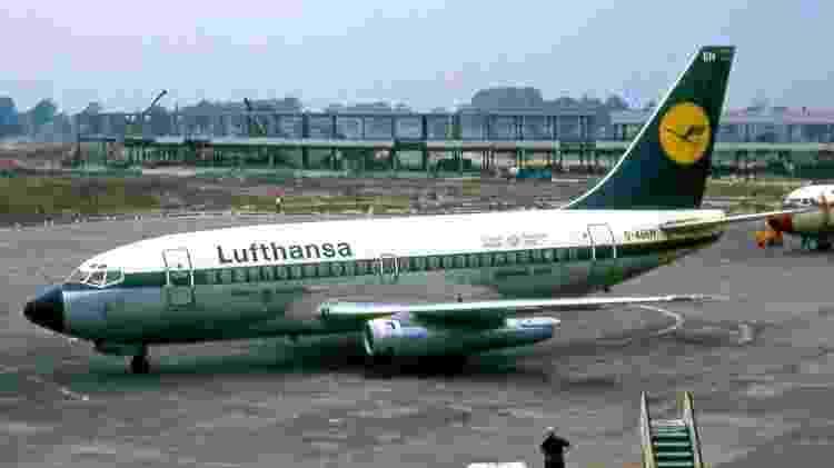 737-100 - Wikimedia - Wikimedia