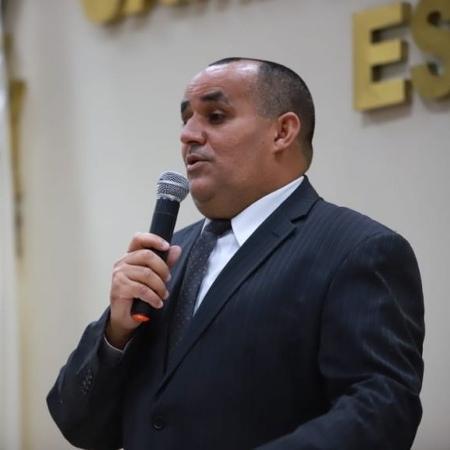 Marcelino Borba (PV), prefeito de Rio das Ostras, na cerimônia de posse; chefe do executivo local pede desculpas após ofensa ao povo judeu no discurso - Divulgação