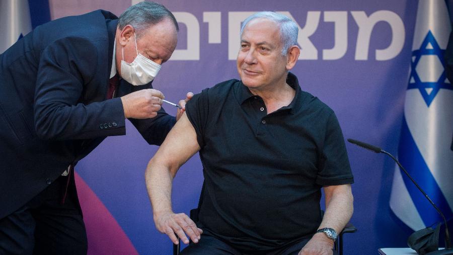 Covid-19: Israel obteve milhões de doses da vacina da Pfizer/BioNTech em troca de dados médicos - Miriam Alster/JINI via Xinhua