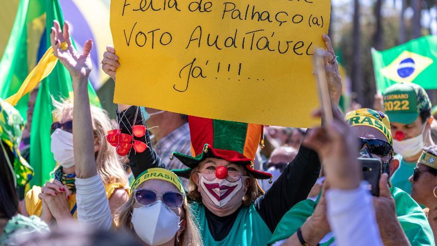 Apoiadores do Presidente Jair Bolsonaro (sem partido) realizaram um ato na região central de Belo Horizonte - FREDERICO ANDRADE/ESTADÃO CONTEÚDO