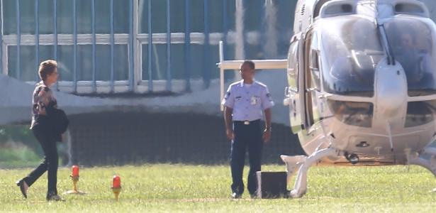 A presidente afastada Dilma Rousseff embarca para o Rio, em abril