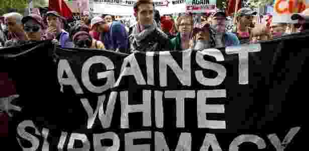 """faixas contra a """"supremacia branca"""" - Joshua Roberts/Reuters - Joshua Roberts/Reuters"""