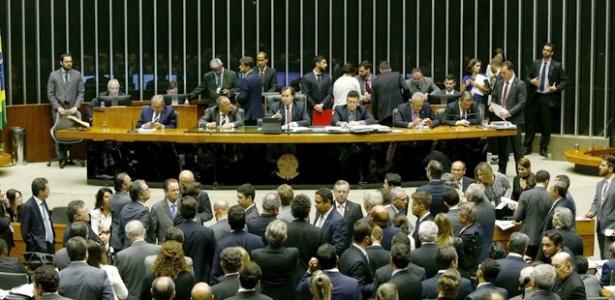 Plenário da Câmara dos Deputados em sessão da reforma política - Pedro Ladeira/Folhapress