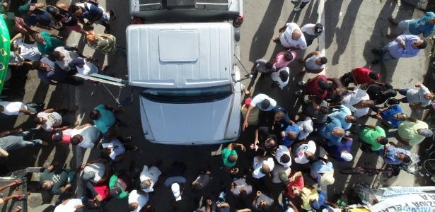 Caminhoneiros se mobilizaram em todo o país desde 11 dias atrás - Arnaldo Carvalho/JC Imagem/Estadão Conteúdo