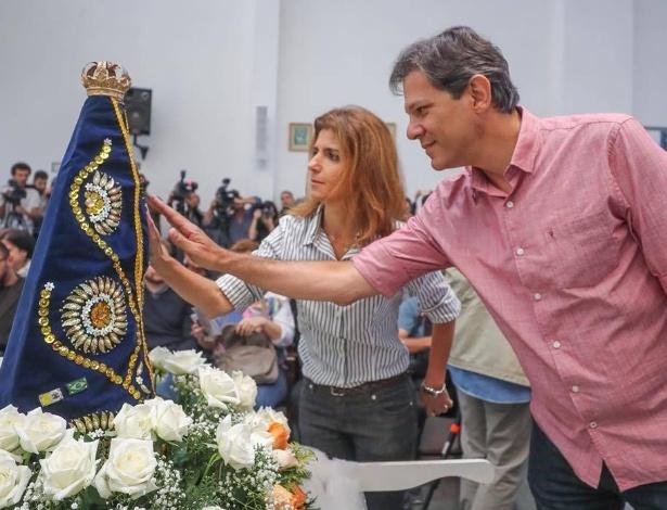 """Haddad discute com mulher em igreja católica: """"você deve ser ateia"""""""