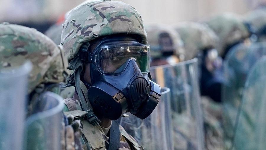 Norma permite ao governo dos EUA enviar tropas para controlar rebelião, insurreição ou ataques terroristas - Reuters