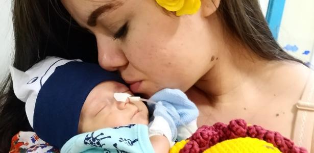 Luta contra covid-19 em hospital | Bebê vence coronavírus após perder irmão gêmeo e já aprende a mamar em AL