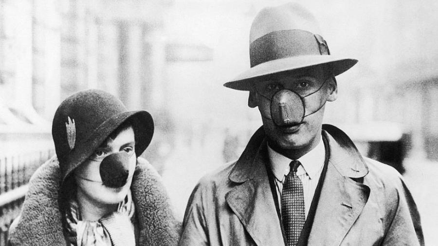 Na década de 1930, como agora, nem todos acreditavam nos benefícios de cobrir a boca e o nariz - Getty Images