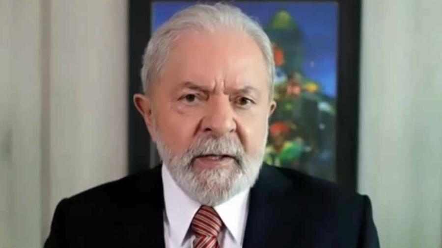 Ex-presidente Luiz Inácio Lula da Silva afirmou que empresários brasileiros deveriam estar rezando e fazendo promessa para que ele vença as eleições de 2022 - Reprodução/Al Jazeera