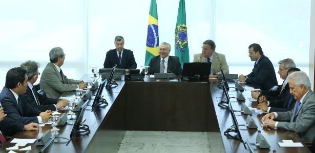 17.mai.2016 - O presidente interino Michel Temer faz reunião com líderes da Câmara dos Deputados