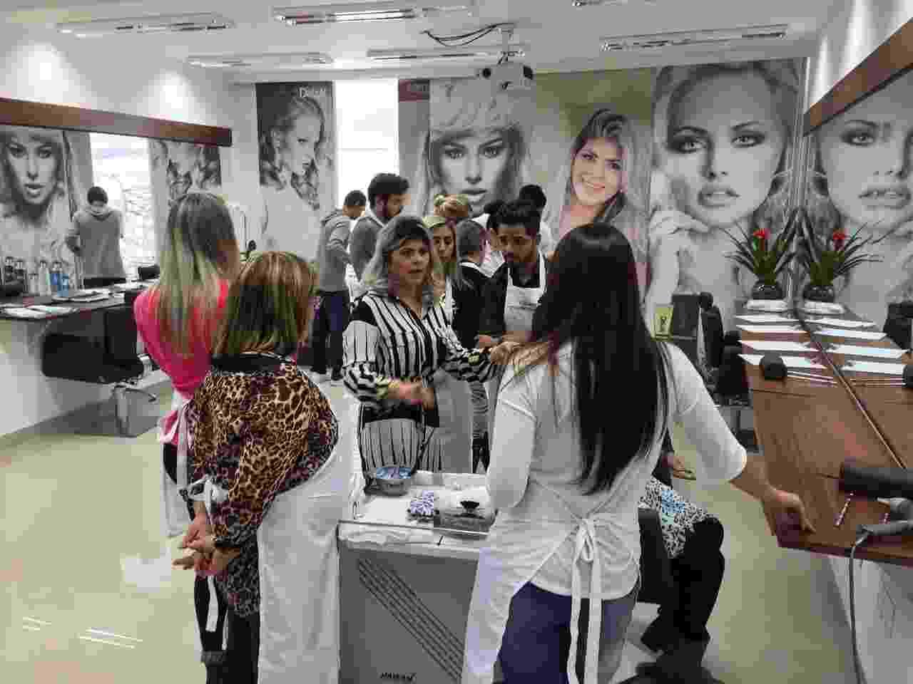 Studio Lins é um salão especializado em cabelos de loiras - Divulgação