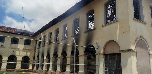 24.jan.2017 - Pavilhões do CPP3 (Centro de Progressão Prisional) de Bauru ficaram destruídos após rebelião e fuga de presos