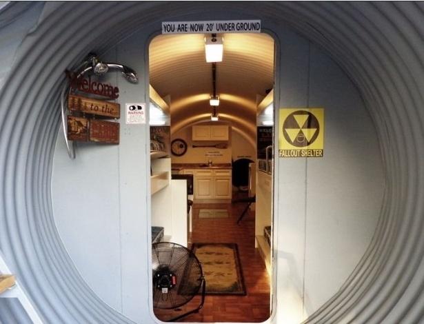 Exposição de um dos modelos de bunkers vendidos pela empresa americana