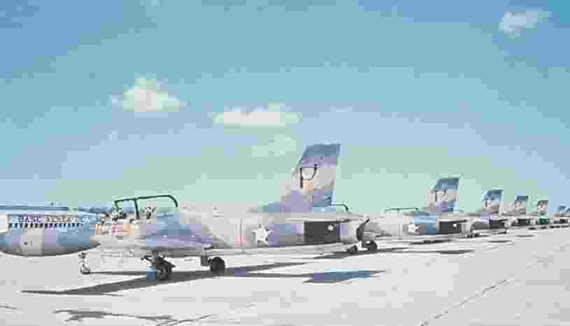 Avião modelo EMB-326 Xavante, da Embraer - Divulgação/Embraer