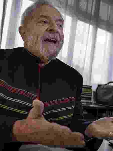 28.jan.2018 - O ex-presidente Luiz Inácio Lula da Silva durante entrevista no Instituto Lula - Marlene Bergamo/Folhapress
