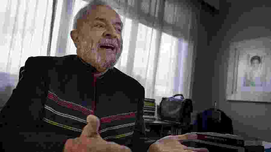 O ex-presidente Luiz Inácio Lula da Silva (PT) durante entrevista no Instituto Lula, em São Paulo, antes de ser preso - 28.jan.2018 - Marlene Bergamo/Folhapress