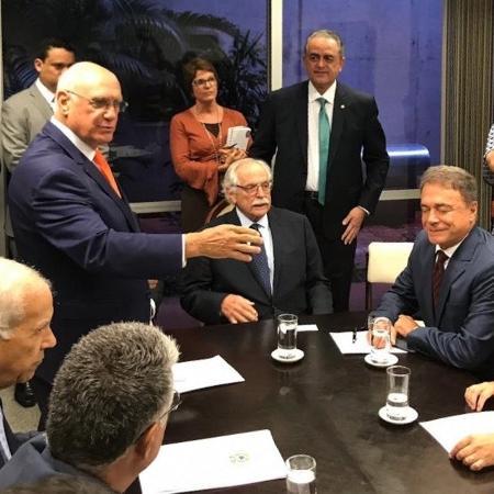 14.mar.2019 - Advogado Modesto Carvalhosa se reúne com senadores para discutir impeachment de ministro Gilmar Mendes - Reprodução/Twitter